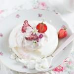 Erdbeer Pavlova