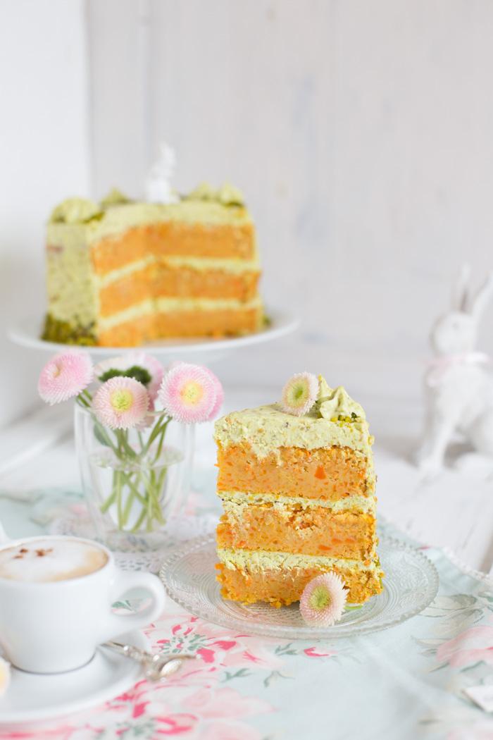 Carrot Cake mit Pistazien Frischkäse