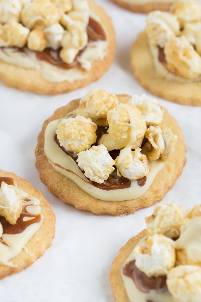 Popcorn Cookies mit Schokolade & Salzkaramell