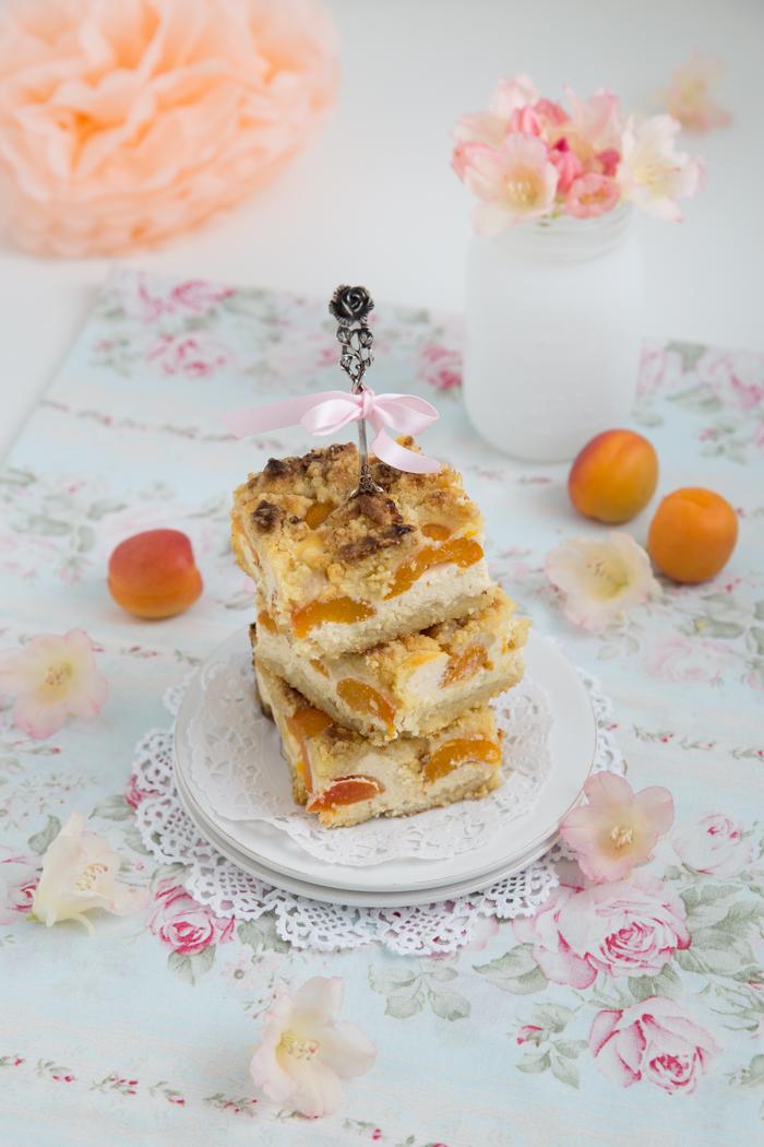 Aprikosenkuchen mit Nussbutter Streusel