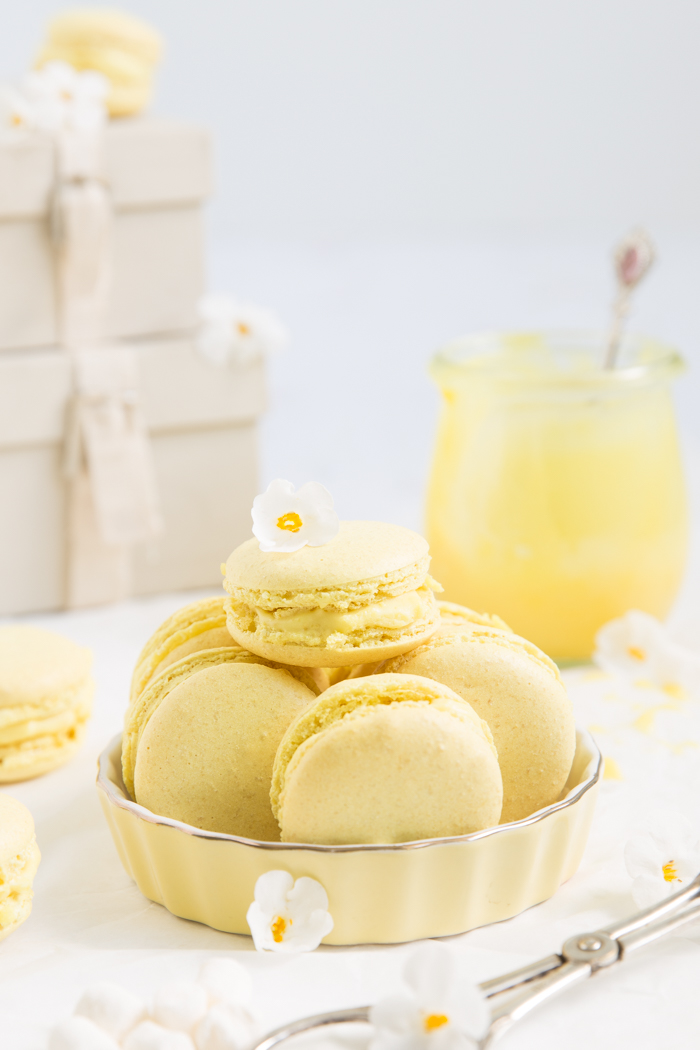 Macarons mit Zitronen Marshmallow Curd