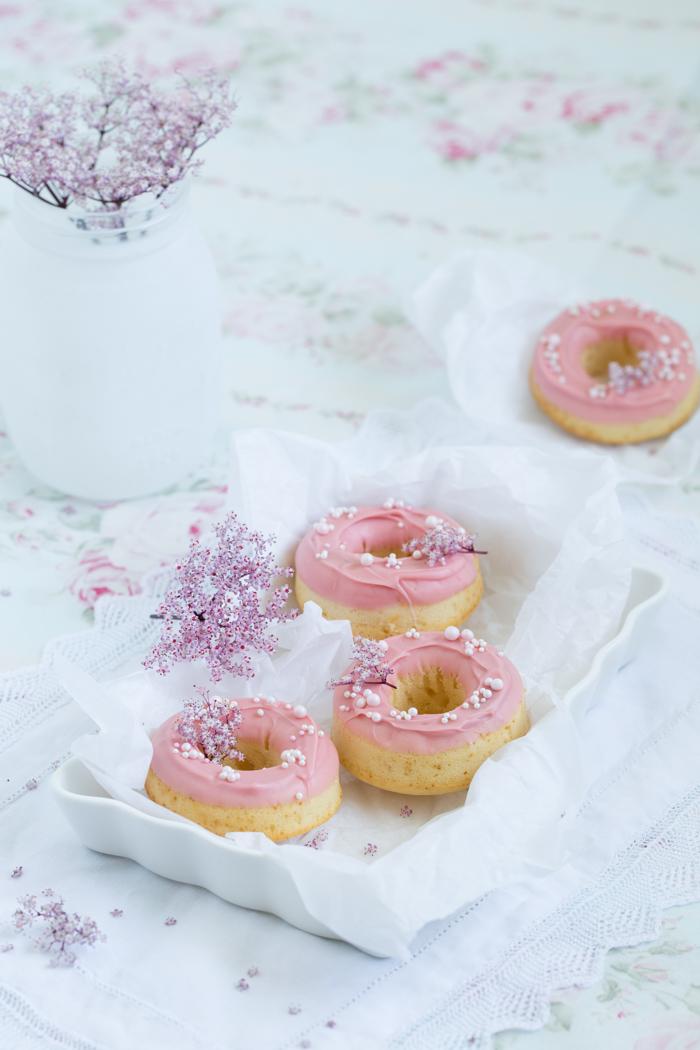 Rosa Holunder Donuts