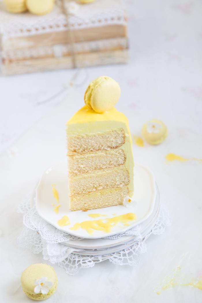 Zitronentorte mit Macarons