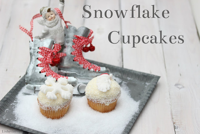 Snowflake Cupcakes mit Mango Frost Praline