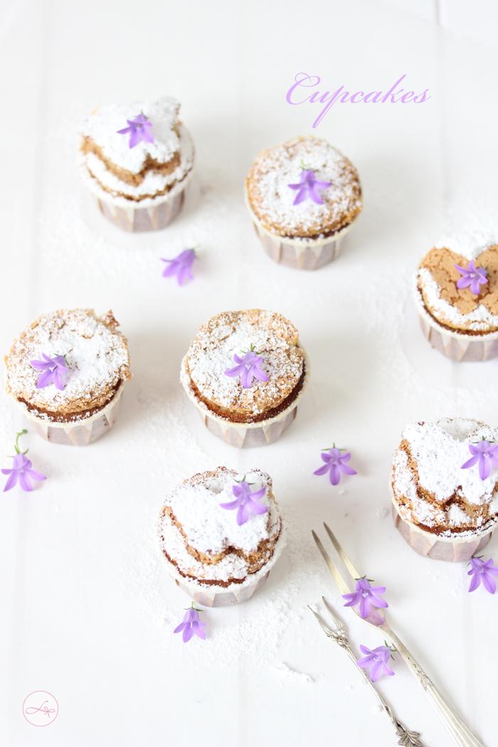 eat a rainbow cupcakes