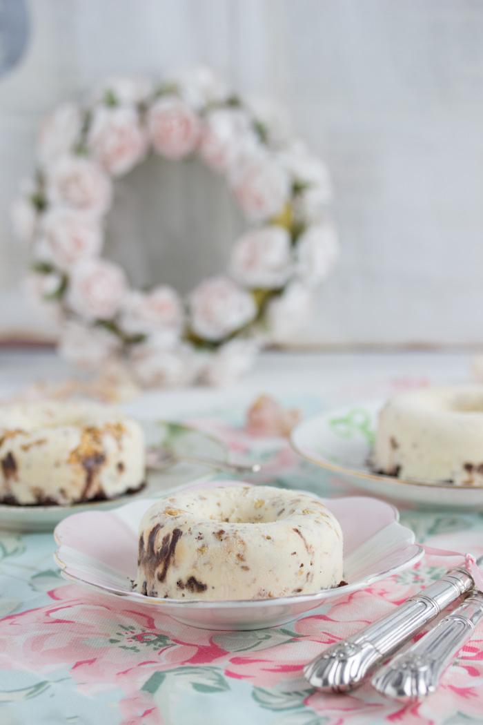 Vanilla Eis Donut