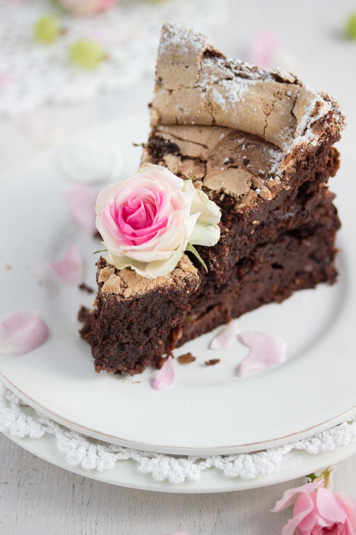 Schokolakenkuchen-mit-Stachelbeeren