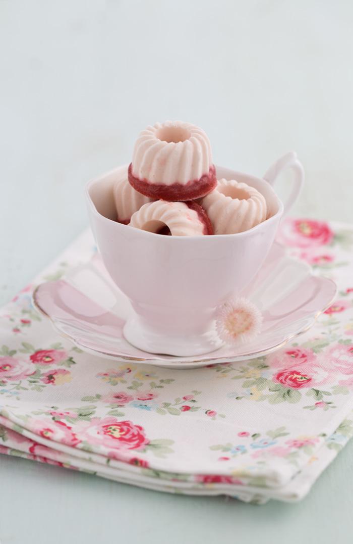 Frischkäse Erdbeer Eispralinen