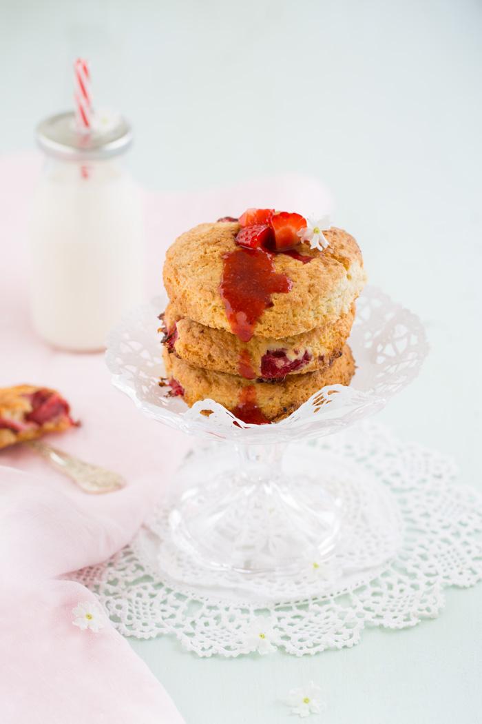 Erdbeer Butter Scones