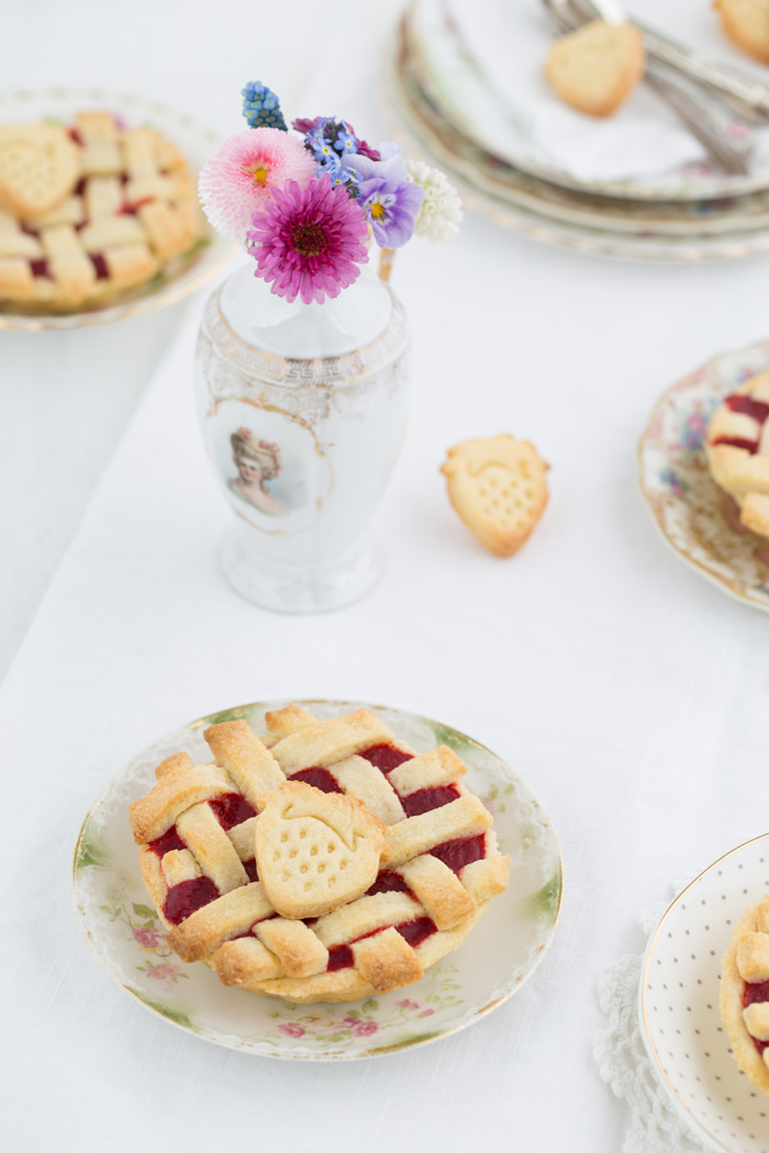 Mini-Crostata-mit-Erdbeerkompott