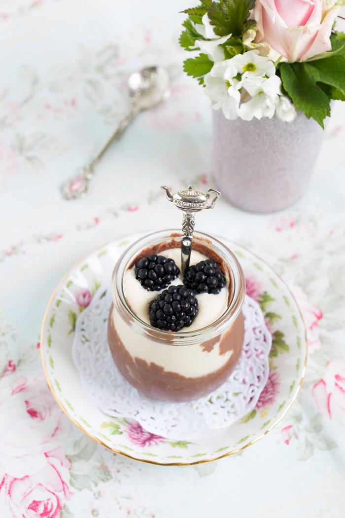 Zweierlei-Schokoladen-Brombeer-Mousse