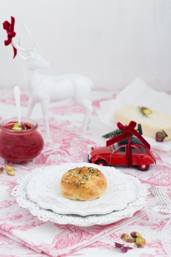 mini-bagel-mit-rote-beete-pesto-geramont-weichkaese-0559