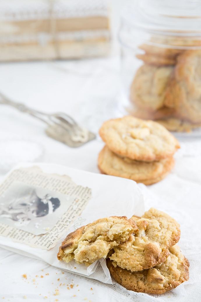 Cookies mit weißer Schokolade, Mandeln & Meersalz-