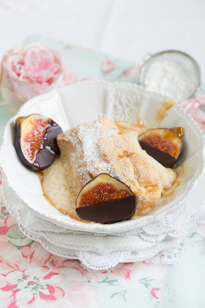 Salzburger Nockerln mit Schokoladen Feigen & Salzkaramell