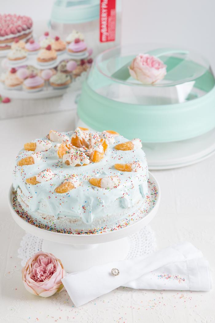 Cranbeery-Biskuit-Torte gefüllt mit Zimt-Joghurt & Mandarinen