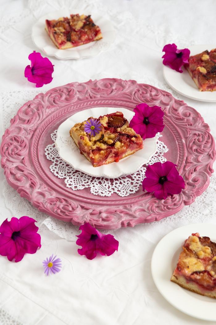 Schneller Pflaumenkuchen mit Butterstreuseln