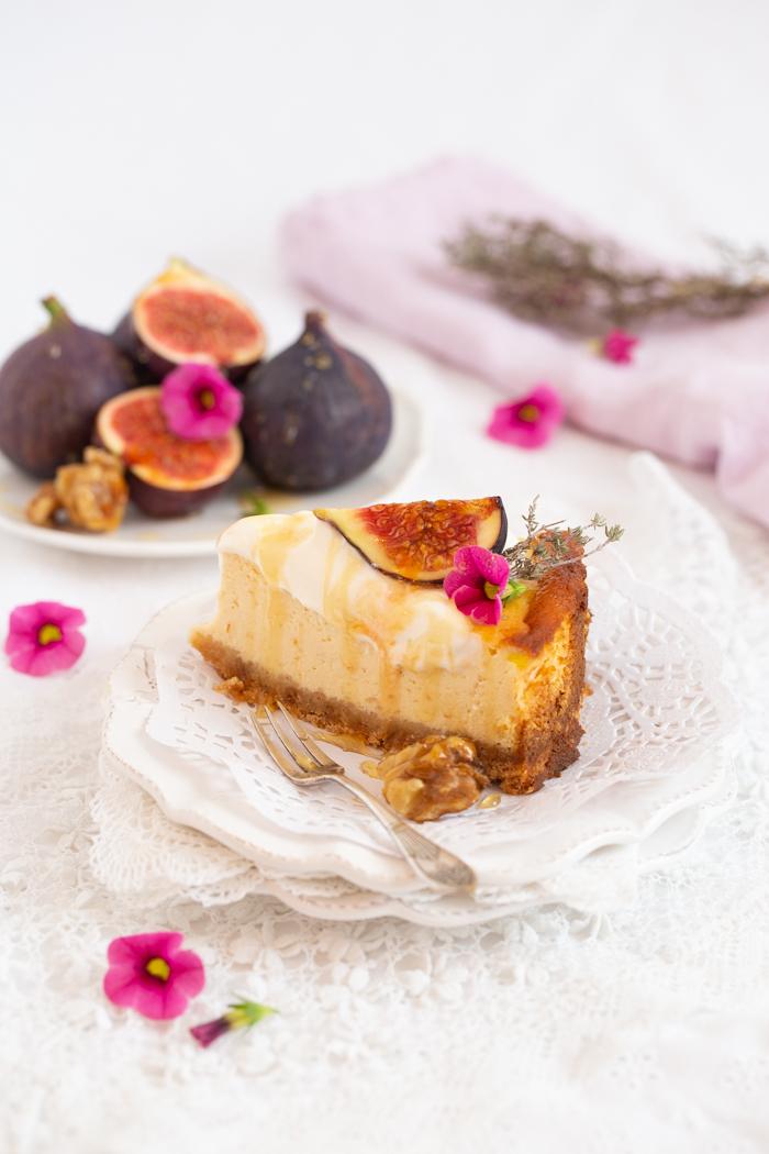 """""""Goat Cheese Cake mit glasierten Feigen und karamellisierten Thymian Walnüssen-"""