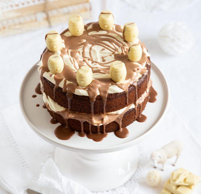 Whisky-Torte mit Schokoladen-Guinness-Boden, Whisky-Fässchen & irischen hautengen grünen Strumpfhosen zum St. Patrick's Day