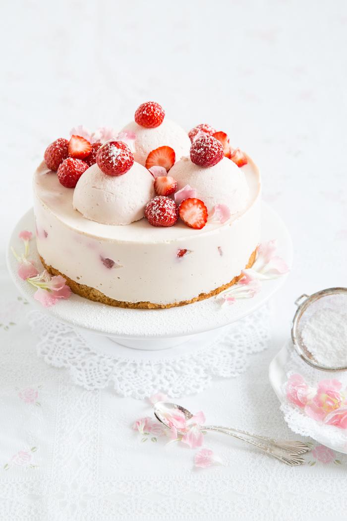 Erdbeer-Mousse-Torte
