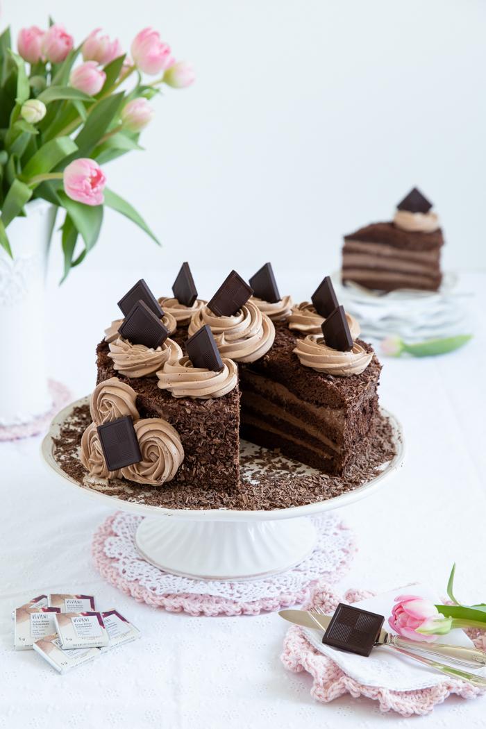 Mokka-Torte mit Kaffeelikör und echter Schokolade