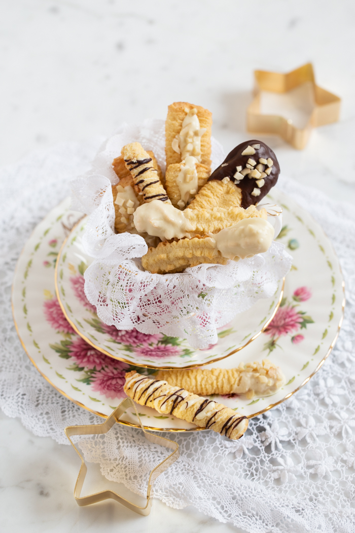 Spritzgebäck mit zweierlei Schokolade & Mandeln
