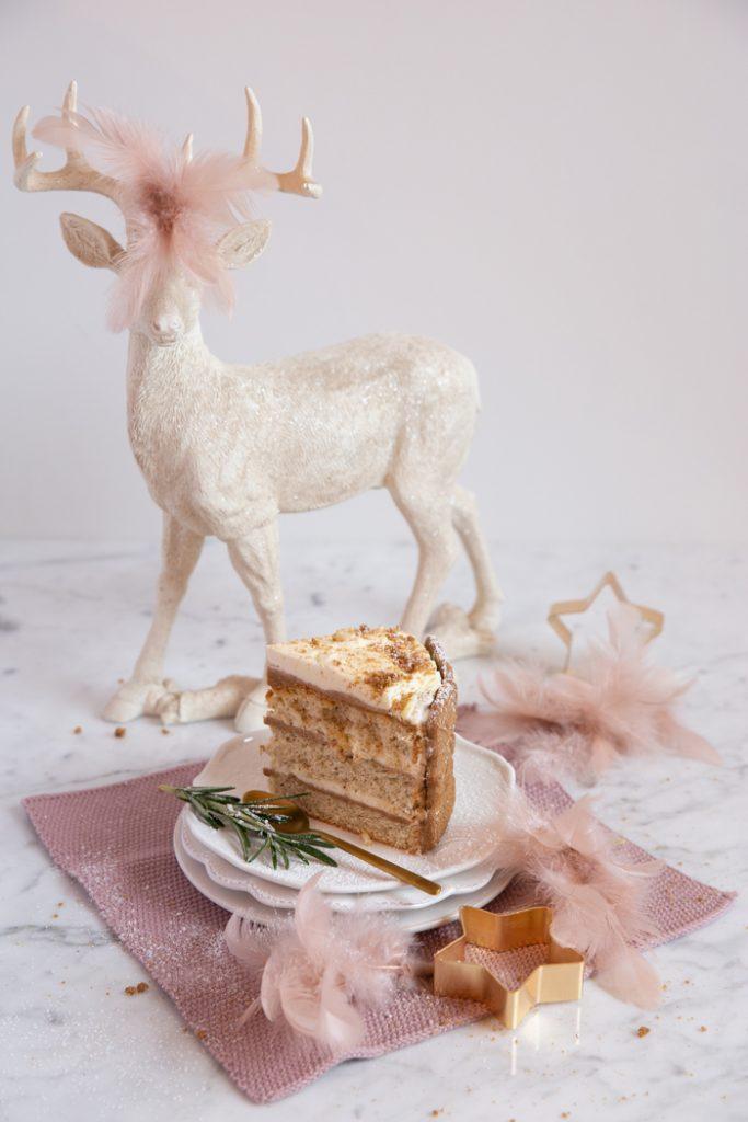 Spekulatius-Torte mit Haselnuss-Biskuit & einer feinen Zimtsahne