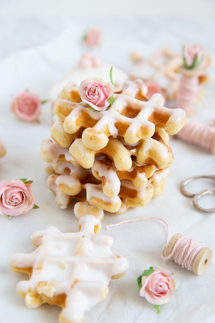 Donut-Waffeln mit Zitronenglasur