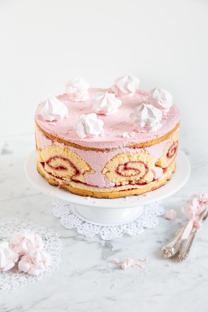 Himbeer-Biskuit-Torte