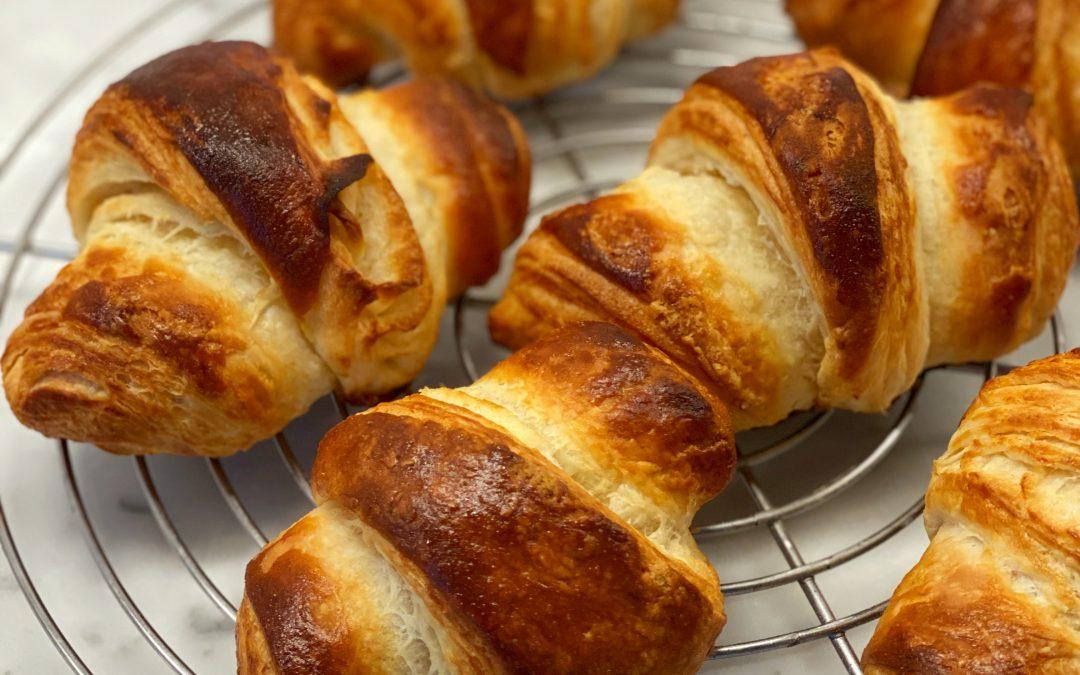 Französische Croissants