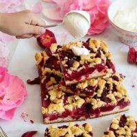 Pflaumenkuchen mit Hefeboden und Butterstreusel nach Omas Art